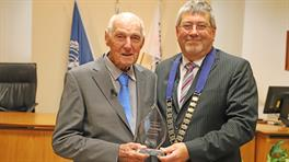Bob Moorfield and Mayor Allan Sanson