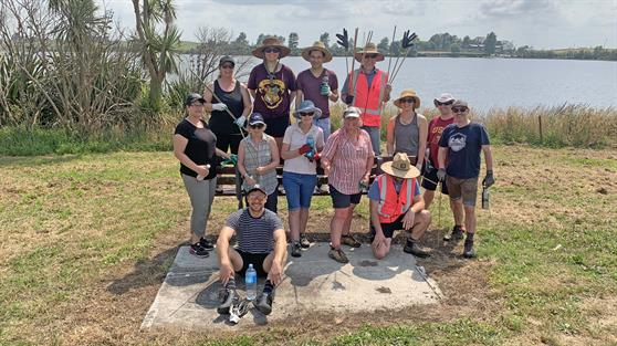Council staff tackle work at Lake Kainui