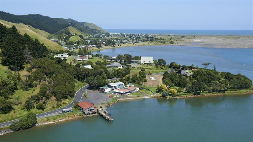 Port Waikato 0001 16x9