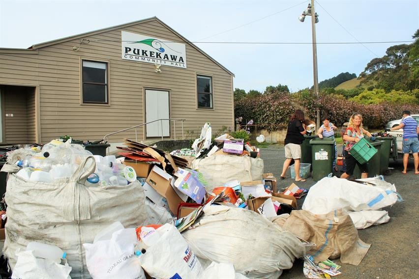 The monthly Pukekawa rubbish and recycling collection. Photo by Angie Kemp