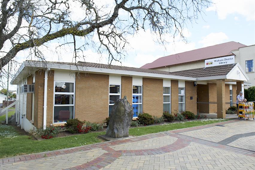 Tuakau Library