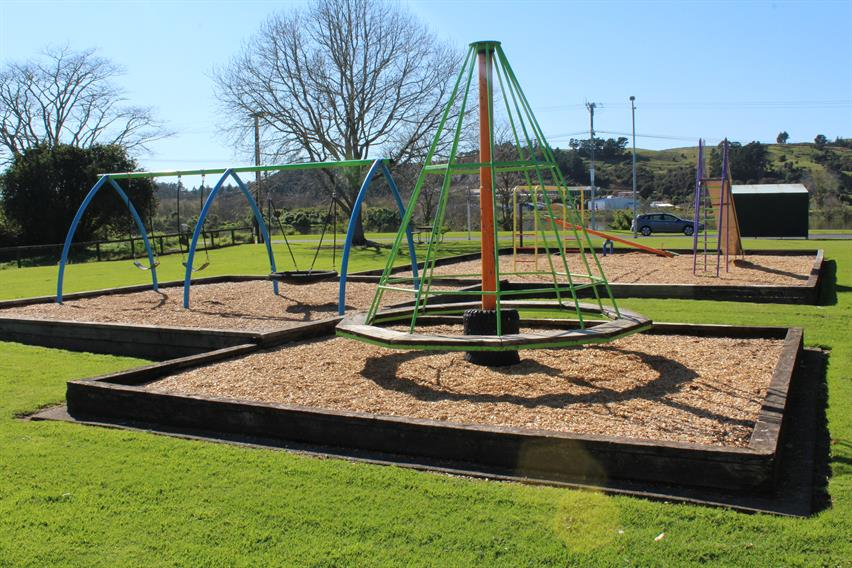 Riverview Road playground