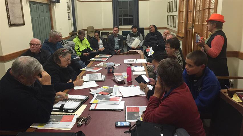 Tuakuau-placemaking-meeting