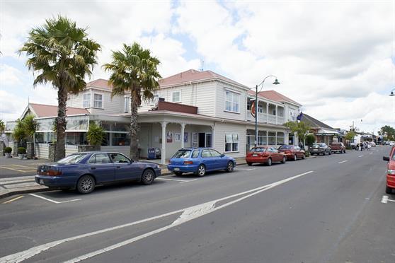 Tuakau main street